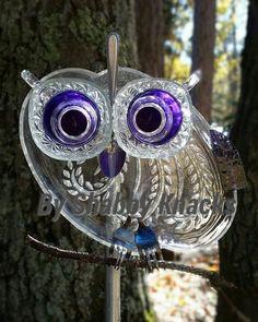 Glass Garden Ideas 2130 is part of Owl garden art - Glass Garden Ideas 2130 Glass Garden Flowers, Glass Plate Flowers, Glass Garden Art, Flower Plates, Glass Art, Art Flowers, Garden Owl, Diy Garden, Garden Crafts