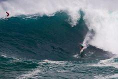 Quiksilver in Memory of Eddie Aikau Jamie O'Brien does his best to hang out, but gets bucked off his board at the bottom. Photo WSLKeokiWSLWSLKeoki wsl official WORLD SURF LEAGUE