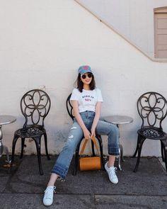 Portrait Photography Poses, Photography Poses Women, Korean Fashion Trends, Korean Street Fashion, Mode Ulzzang, Best Photo Poses, Fashion Poses, How To Pose, Korean Outfits