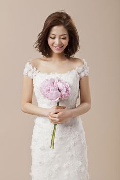 Trendy Ideas For Wedding Hairstyles Korean Brides Asian Bridal Makeup - Wedding Makeup Celebrity Korean Bride, Korean Wedding, Asian Bride, Asian Bridal Makeup, Wedding Hair And Makeup, Hair Makeup, Asian Makeup, Korean Girl Short Hair, Makeup Korean Style
