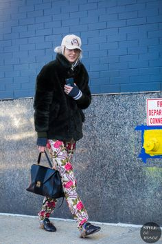 Kelly Connor Street Style Street Fashion Streetsnaps by STYLEDUMONDE Street Style Fashion Photography