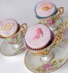 elegant cupcakes in teacups ❤