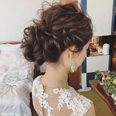 Two Fun and Beautiful Braided Hairstyles – HerHairdos Party Hairstyles, Bride Hairstyles, Messy Hairstyles, Bridal Hairdo, Bridal Hair And Makeup, Sophisticated Hairstyles, Mother Of The Bride Hair, Curly Hair Problems, Hair Arrange