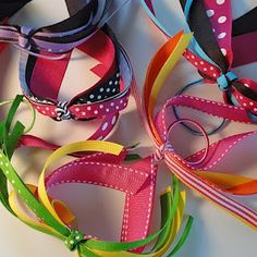 How to make Ponytail Streamers video. Great project to make with Caroline, easy and fun - and they turned out GREAT!