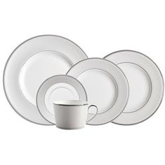 Monique Lhuillier Waterford 'Pointe d'Esprit' China Place Setting