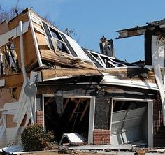 Uncontrollable home fire brings chaos to homeowners. Call 678-293-0297! ServiceMaster by Lovejoy is a fire damage restoration provider in Georgia and will promptly provide disaster recovery solution to every area where we are requested. The process of service includes mitigating damage, soot and smoke damage cleanup and content cleaning.
