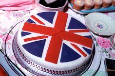 Union Jack Cake www.pinkelephantfunfair.net