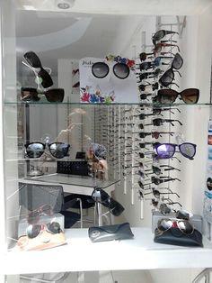 30 melhores imagens de Vitrine Otica   Shop windows, Display cases e ... 707a55d173