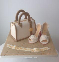 Handbag cake & sugar High Heels Batman Birthday Cakes, Fairy Birthday Cake, Shoe Box Cake, Shoe Cakes, Happy Birthday Chicken, Cake Pictures, Cake Pics, Tank Cake, Island Cake