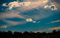 Photograph of amazing cloud formation from Lota Creek Circuit walk.