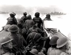 Canadian soldiers in a Landing Craft Assault (LCA) head for the beachhead from HMCS Prince Henry during the Allied D-Day landings (Operation Overlord) in Normandy. More than Canadian. Battle Of Normandy, D Day Normandy, Normandy Beach, Normandy Invasion, Normandy France, Canadian Soldiers, Canadian Army, British Army, British Soldier