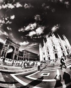 Duomo's square 180º. Milan Italy.  #milan #milano #milano_bnw #igersmilano #ig_milano #milanodavedere #milanodaclick #bellamilano #visitmilano #vivo_milano #loves_milano #italy #italia #bnw #bnw_captures #bnw_rose #bnw_planet #bnw_lombardia  #bnw_greatshots #bnw_society #bnw_life #bnw_demand  #amateurs_bnw #rsa_bnw #the_bestbw #photooftheday #lookingup_architecture #building_shotz #jj_architecture #jj_geometry by milano_bnw