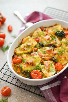 Zapiekanka z kurczakiem i warzywami - Lactima Indian Food Recipes, Vegetarian Recipes, Cooking Recipes, Healthy Recipes, Clean Eating, Healthy Eating, Tasty Dishes, My Favorite Food, Food Inspiration