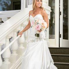 Here comes the bride! #wedgewoodwedding  #wedgewoodjeffersonstreetmansion #jeffersonstreetmansion #historicbenicia #weddings #wedgewoodweddings #venues #herecomesthebride