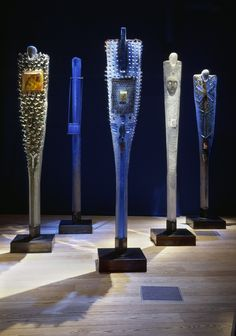 "Bertil Vallien (Swedish, Kosta Boda, ""Watcher"" Sand Cast Glass Sculpture with Internal Ornamentation. Art Of Glass, Fused Glass Art, Murano Glass, Abstract Sculpture, Sculpture Art, Bokashi, Sandblasted Glass, Kiln Formed Glass, Glass Ceramic"