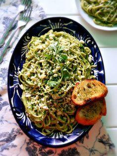 Espagueti Verde (Mexican Spaghetti w/ Creamy Poblano Sauce)