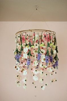 This DIY floral chandelier is perfect for your Mother's Day brunch, a wedding or…