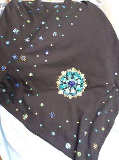 cotton jersey poncho hand embroidered Bomber Jacket, Sweatshirts, Sweaters, Cotton, Projects, Jackets, Fashion, Down Jackets, Moda