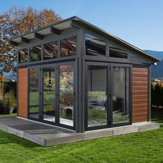 This amazing small gazebo is unquestionably an amazing design approach. Backyard Guest Houses, Backyard Office, Backyard Studio, Backyard Sheds, Backyard Patio, Outdoor Office, Garden Office, Modern Tiny House, Tiny House Cabin