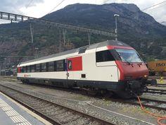 Ganz allein steht der Bt4 in Brig, am 28.8.16. Diesel, Swiss Railways, Model Trains, Switzerland, Japan, Hobbies, Europe, All Alone, Locomotive