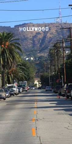 Hollywood CA !! Hollywood est un quartier de la ville de Los Angeles situé au nord-ouest de Downtown Los Angeles et à l'ouest de Glendale. Wikipédia
