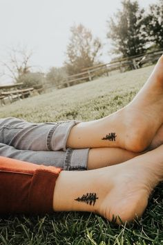 Best friend tattoos, friendship tattoos, couple tattoos, matching t Bff Tattoos, Tribal Tattoos, Pair Tattoos, Tattoos Infinity, Bestie Tattoo, Dainty Tattoos, Tattoos Skull, Best Friend Tattoos, Unique Tattoos