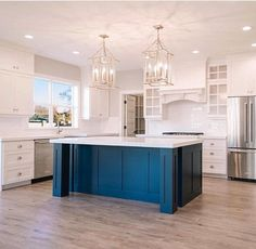 48 Best Farmhouse Kitchen Decor Ideas And Remodel - Luxury Kitchen Remodel Blue Kitchen Island, Blue Kitchen Decor, Farmhouse Kitchen Decor, Kitchen Islands, Island Blue, Blue Kitchen Ideas, Kitchen Island Shapes, Navy Kitchen, Kitchen Peninsula