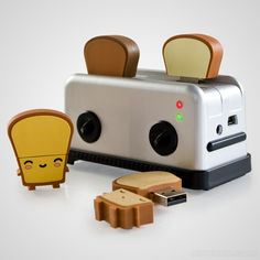 USB Toast Flash Drives - they're just #geek tastic