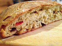 Πεντανόστιμες Vegan (βίγκαν), χορτοφαγικές, φυτοφαγικές και νηστίσιμες συνταγές Greece Food, Sandwiches, Bread, Vegan, Pastries, Savoury Pies, Foods, Cakes, Food Food