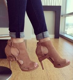 "Summer Shoes Women Fashion High Heel Sandals Sexy Heel type: High (3"" and up) Season:Summer Style: Fahsion Casual Side Vamp Type:Open Sandal Type:Ankle-Wrap US European Inches Centimeters 4 35 8.1875"""