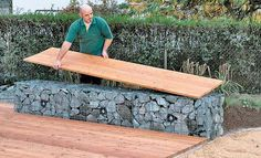 Gabion bench: Place seat from boardboards - Gabionen - garten dekore Backyard Projects, Outdoor Projects, Outdoor Decor, Garden Guide, Garden Paths, Garden Sofa, Garden Furniture, Tropical Landscaping, Backyard Landscaping