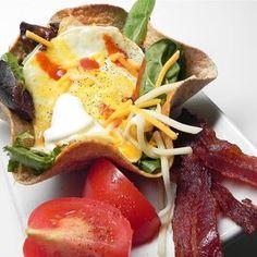 Easy Huevos Rancheros Breakfast Avocado Breakfast, Breakfast Dishes, Breakfast Casserole, Breakfast Recipes, Breakfast Ideas, Huevos Rancheros, Quick And Easy Breakfast, How To Cook Eggs, Brunch Recipes