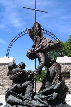 File:Statue commémorative, Hopital Général, Qc.jpg