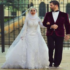 2016 Muslim Wedding Dresses A Line Detachable Train Lace Appliques Long Sleeve High Neck Middle East Muslim Bridal Dresses A Line Wedding Dresses Long Sleeves Dress Arab Muslim Bridal Gowns Online with $217.55/Piece on Yahuifang2016's Store | DHgate.com