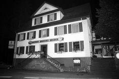 In diesem Lokal wurde Schäuble niedergeschossen 12.10.1990 http://www.welt.de/geschichte/article147418261/Was-den-Attentaeter-auf-Wolfgang-Schaeuble-trieb.html