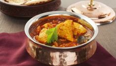 Homemade Saffron Oil Recipe- TheFoodXP Chicken Karahi, Chicken Curry, Armenian Recipes, Armenian Food, Persian Chicken, Veg Restaurant, Curry Recipes, Easy Chicken Recipes, Food Presentation