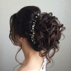 This beautiful bridal updo hairstyle perfect for any wedding venue - Beautiful wedding hairstyle Get inspired by fabulous wedding hairstyles