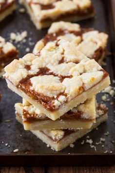 Homemade Desserts, Dessert Recipes, Cream Cheese Puff Pastry, Sweet Bar, Flaky Pastry, Ice Cream Toppings, Caramel Recipes, Home Baking, Desert Recipes