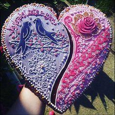 #artfood #art #birds #bird #medovniky #med #honeycake #honey #medovník #pernicky #pernik #gingerbread #pain #painting #cook #colors #color #flowers #love #heart #srdce #medovnikovesrdce #rose #ruza