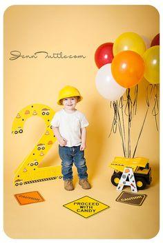 Love this theme for bday - #theme - #balloonndecoration