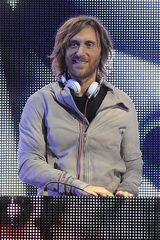 David Guetta makes electro music for clubs Edm Music, Dance Music, Music Love, Music Is Life, French Dj, David Guetta, Electro Music, Alesso, Dj Party
