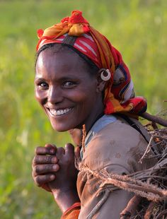 Tigray woman, Ethiopia, by Rod Waddington Beautiful Smile, Life Is Beautiful, Beautiful People, Just Smile, Smile Face, Tribal People, Smiles And Laughs, Cute Friends, African Beauty