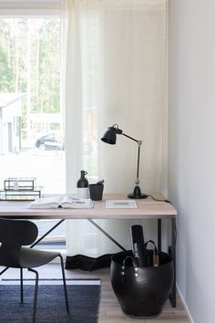Home Office, Office Desk, Desks, Room Interior, Offices, Stationary, Sweet Home, Home And Garden, Rooms