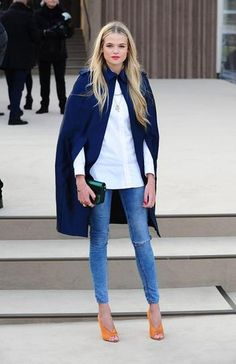What to wear with skinny jeans: Has a cape every looked this sexy? Deep-V stilettos, which show just the right amount of toe cleavage. Jean, Fashion Weeks, Blue, Cape, White Shirts, Outfit, Street Styles, London Fashion, Gabriella Wilde