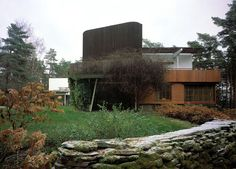 Villa Mairea. Studio tower and entrance to conservatory beneath. Photo:  Maija Holma, Alvar Aalto Museum.