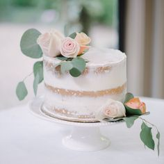 fabulous vancouver wedding This beautiful pinterest cake was baked by the groom. Drooling while editing • #ATPstory #weddingphotography by @amyteixeira  #vancouverwedding #vancouverweddingcake #vancouverwedding