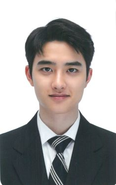 What a gentleman Kyungsoo, Chanyeol, Exo Ot12, Kaisoo, Exo Tickets, D O Exo, Two Worlds, Id Photo, Pass Photo