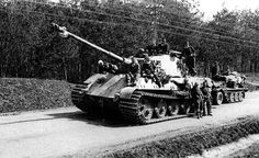 In early April King Tiger of the schwere Panzer-Abteilung 509 was one of the few tanks to make it back to within the borders of the Reich from Hungary. Tiger Ii, Patton Tank, Tank Armor, Military Armor, Tiger Tank, Tank Destroyer, Armored Fighting Vehicle, Ww2 Tanks, World Of Tanks
