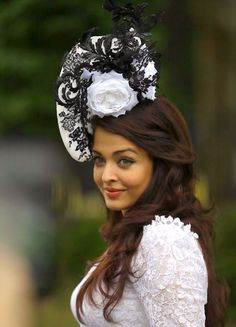 high tea fashion Mangalore, Philip Treacy Hats, Royal Ascot Races, Look Star, Ascot Hats, Aishwarya Rai Bachchan, Fancy Hats, Fascinator Hats, Horses