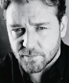 Russell Crowe - how do I love thee?  Let me count the ways:  1) in a leather gladiator skirt, 2) as a schizophrenic mathematical genius, 3) as a fat, bloated tobacco executive 4) ANY WAY I CAN GET YOU!!!!